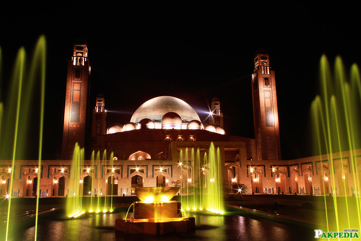The Grand Jamia Masjid is a proud identity of Bahria Town Lahore
