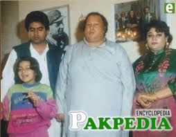 Nusrat Fateh Ali Khan with family