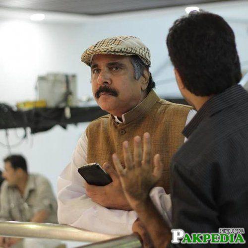 Ashraf Khan in a comedy role