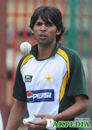 Mohammad Asif in Green Shirt