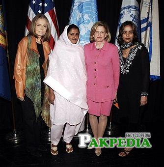 Gloria Steinem, Mukhtar Mai, Representative Carolyn B. Maloney and Dr. Amna Buttar