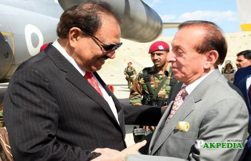 President Memnoon Hussain meeting with Sahabzada Yaqub Khan
