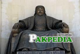 A statue of Chingaiz Khan