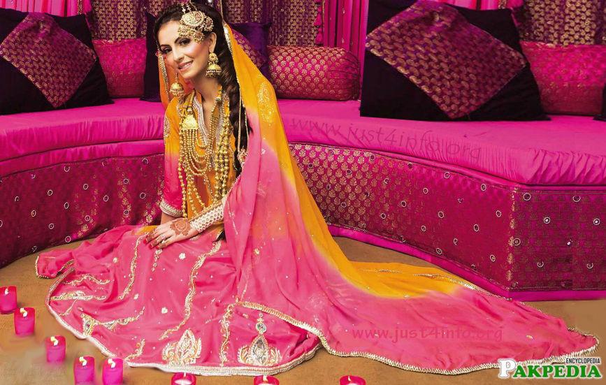 Faryal in eastern look at her mehndi