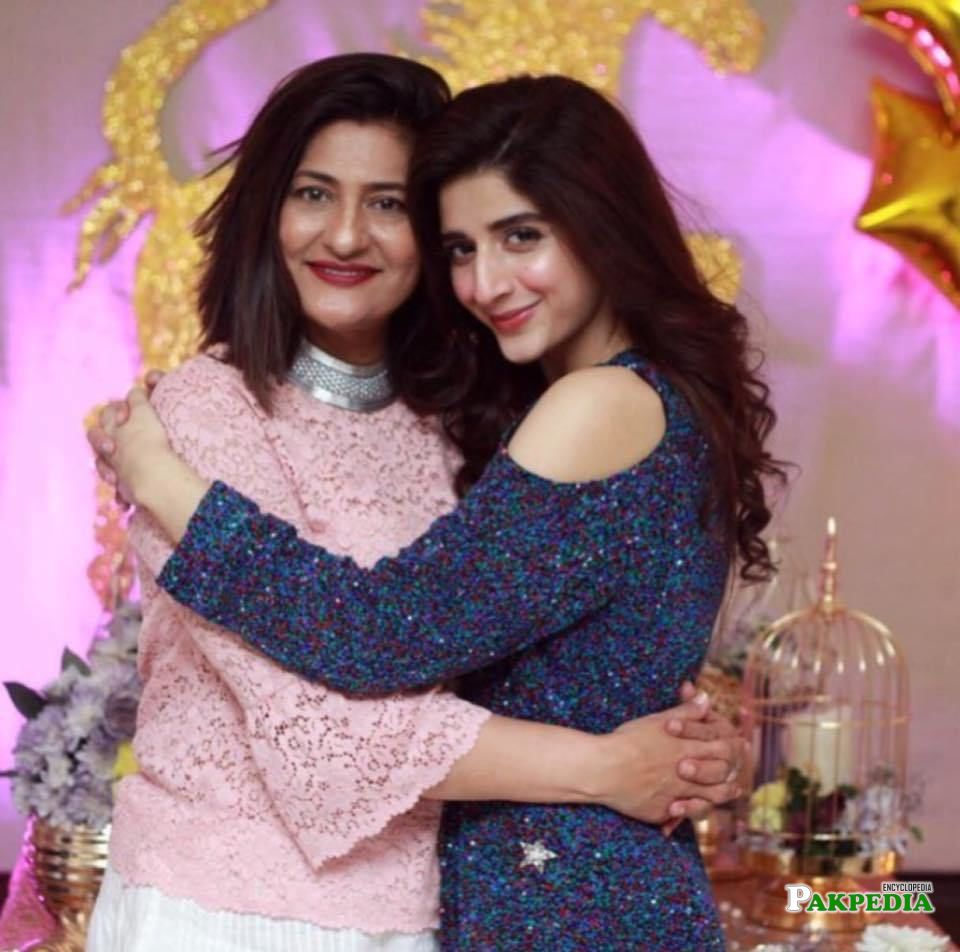 Saba Hameed with Mawra Hussain during her birthday party