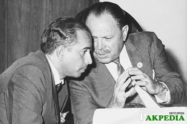 Ayub Khan Talking something