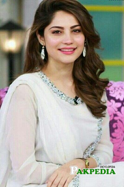Neelam Muneer Biography