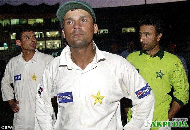 Moin Khan in Test