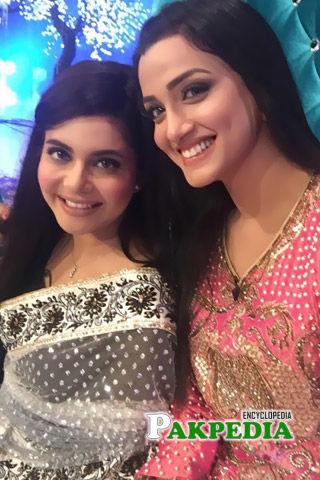 Kiran Tabeer with Nida Yasir at a wedding function