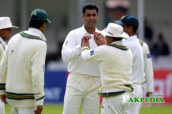 Waqar Younis cricketer