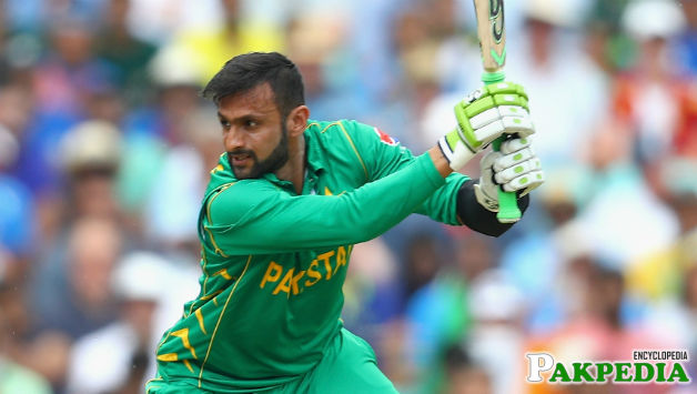 Shoaib Malik hitted hard