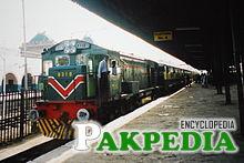 Meher Express at Multan Junction