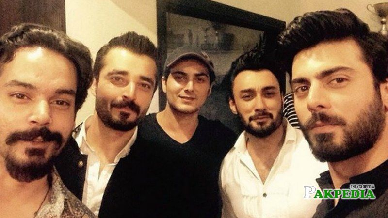 Bilal Lashari with the squad of Maula Jatt