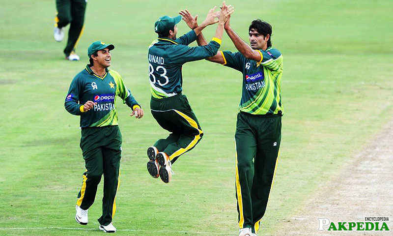 Mohammad Irfan with his Team