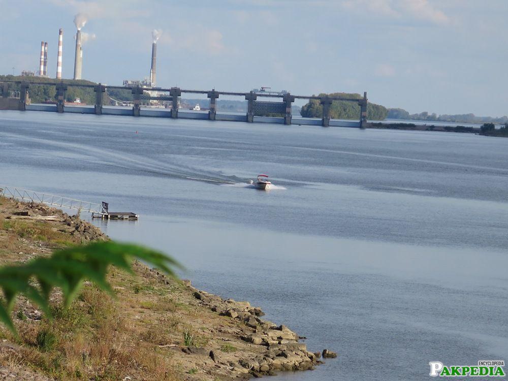 Hub River