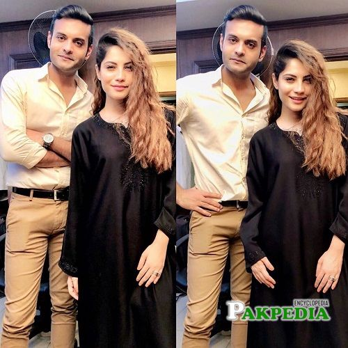 Hassam with Neelum Munir on sets