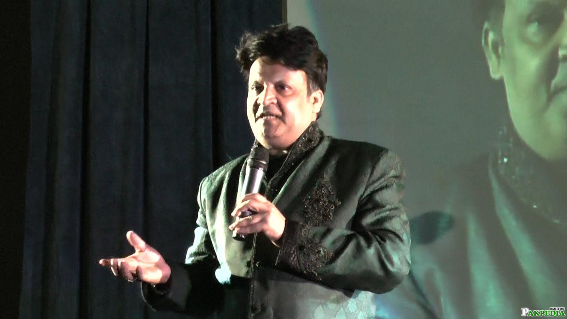 Umer Sharif at Stage