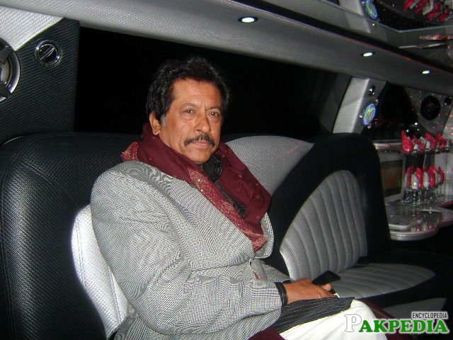 Attaullah Khan Esakhelvi Live Luxury