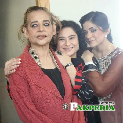 Roohi bano with Sanam baloch and sania saeed