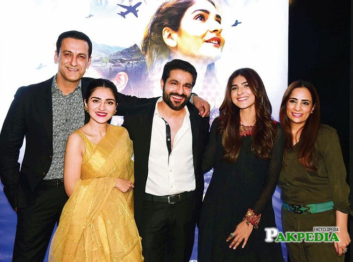 Adnan jaffar with the cast of 'pinky memsaab'