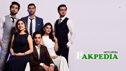 Rizwan Ali with the cast of 'Thora jee lai'