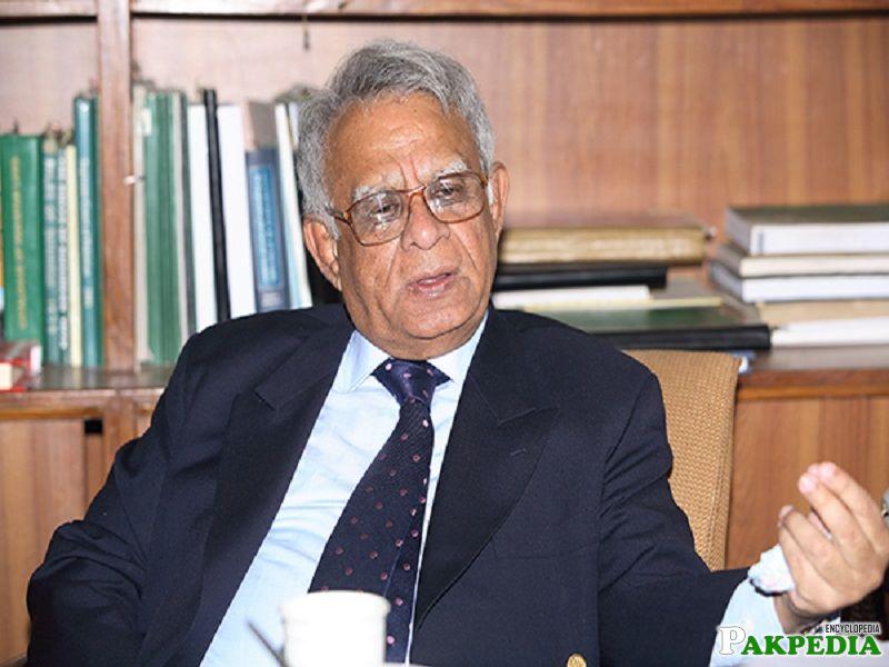 Wasim Sajjad Chairman of the Senate 1998-1999