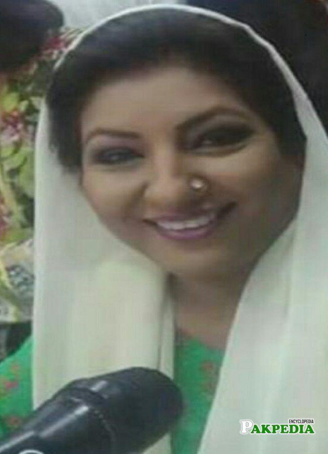 Newscaster Ishrat Fatima