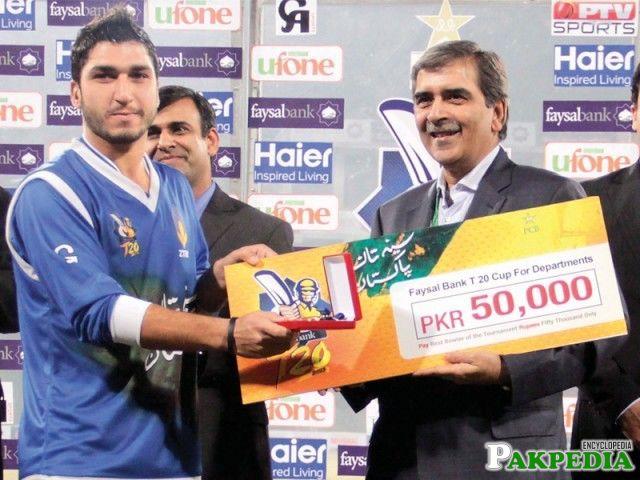 Usman Khan making history in Pakistan