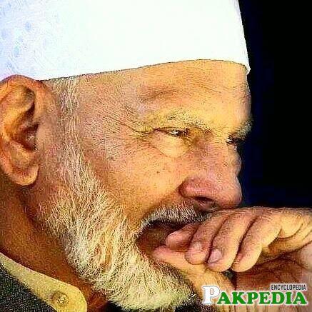 Khwaja Shamsuddin Azeemi is the big name of Pakistan