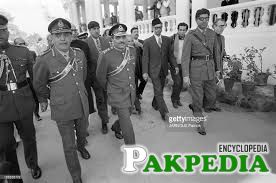Zia-ul-Haq with Soldiers
