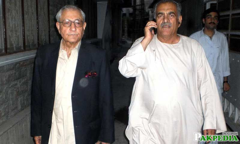 Khan Achakzai with his Brother