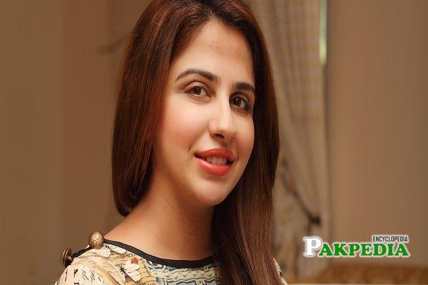Faiza Saqlain Biography
