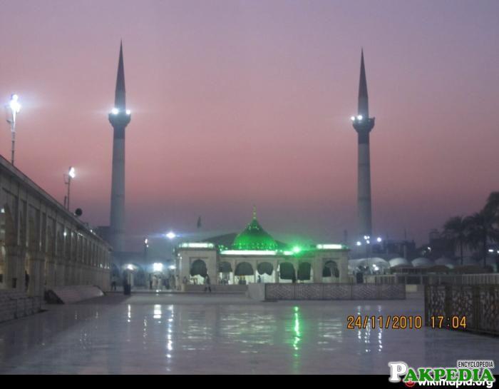 Shrine Of Hazrat Data Ganj Baksh