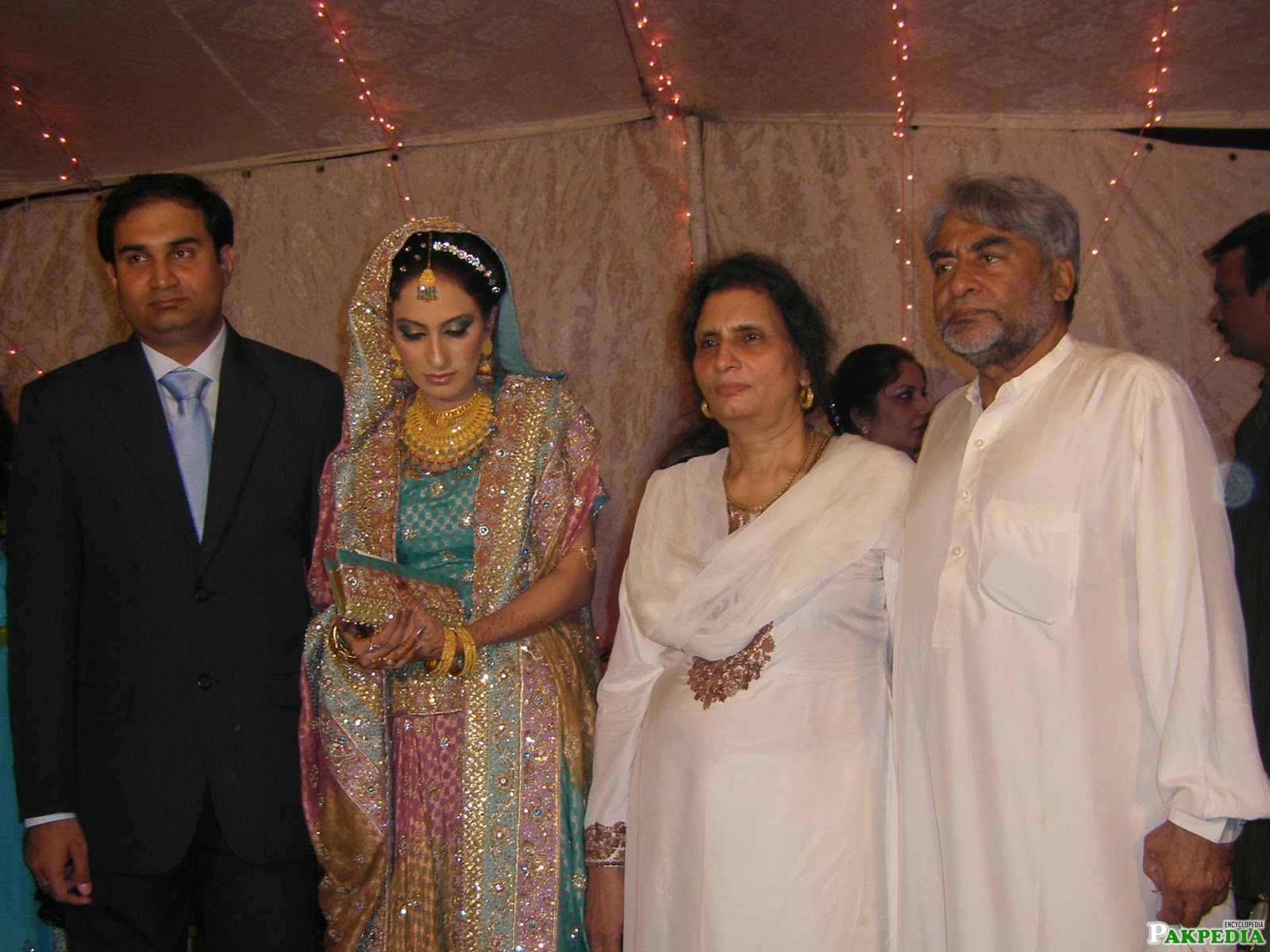 Jamil Fakhri with his family