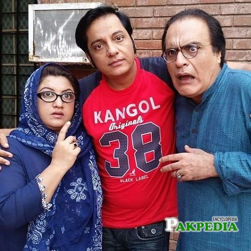 Nabeel with the cast of Bulbulay
