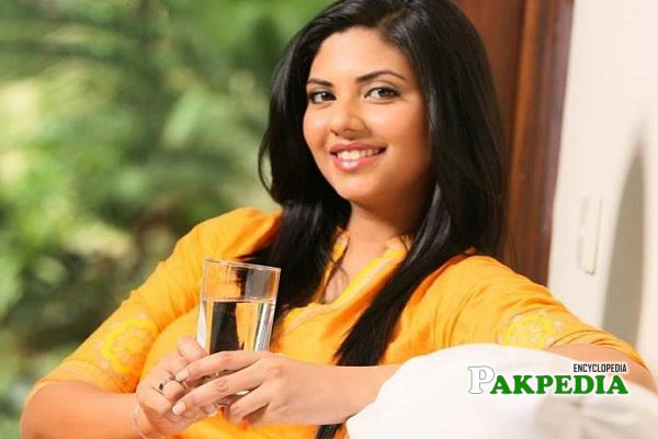 Sunita Marshall Biography