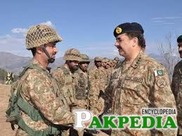 Raheel Shareef with Soldier