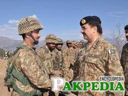 Raheel Shareef with Soldier