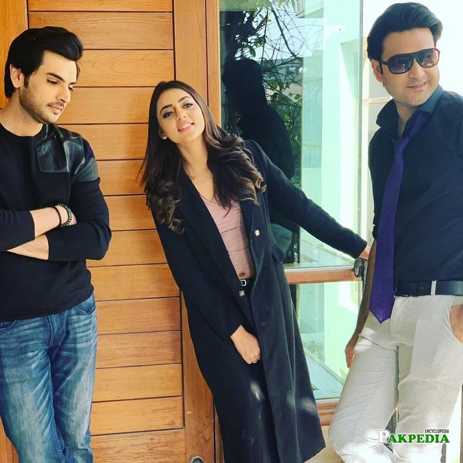 Yasir Shoro on set of his upcoming serial