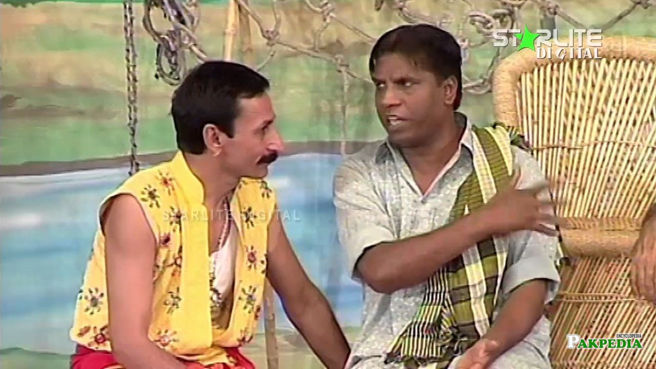 Amanat Chan with iftikhar Thakur in a Stage Show