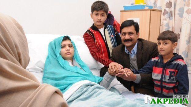 Malala Yousafzai with family