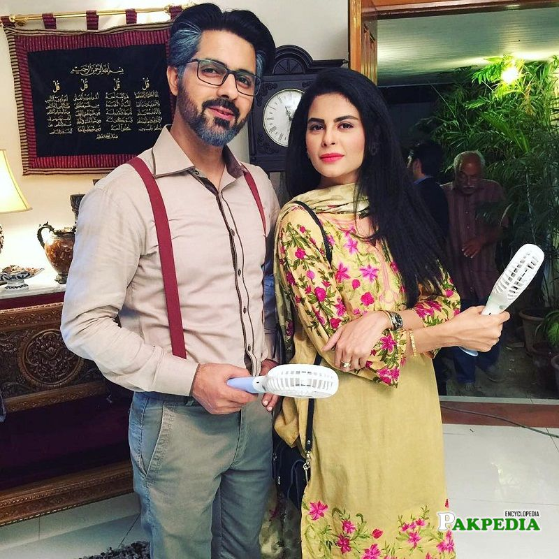 Vasia fatima with Asim Mehmood on sets