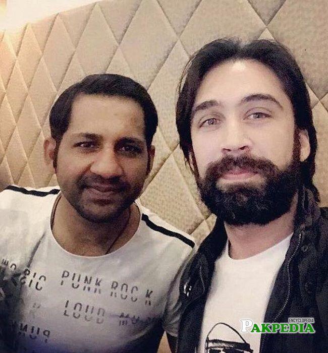 Ali Rehman with cricketer Sarfraz Ahmad