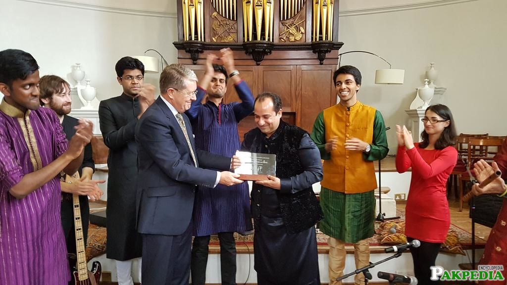 Oxford University Honors Rahat Fateh Ali Khan