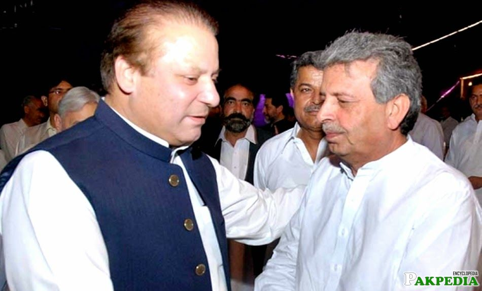 Rana Tanveer Hussain with Nawaz sharif