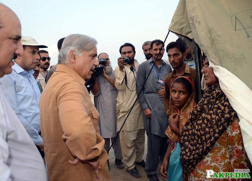 CM Visits Flood-Stricken Jhang & Garh Maharaja 4th Time in 5 Days