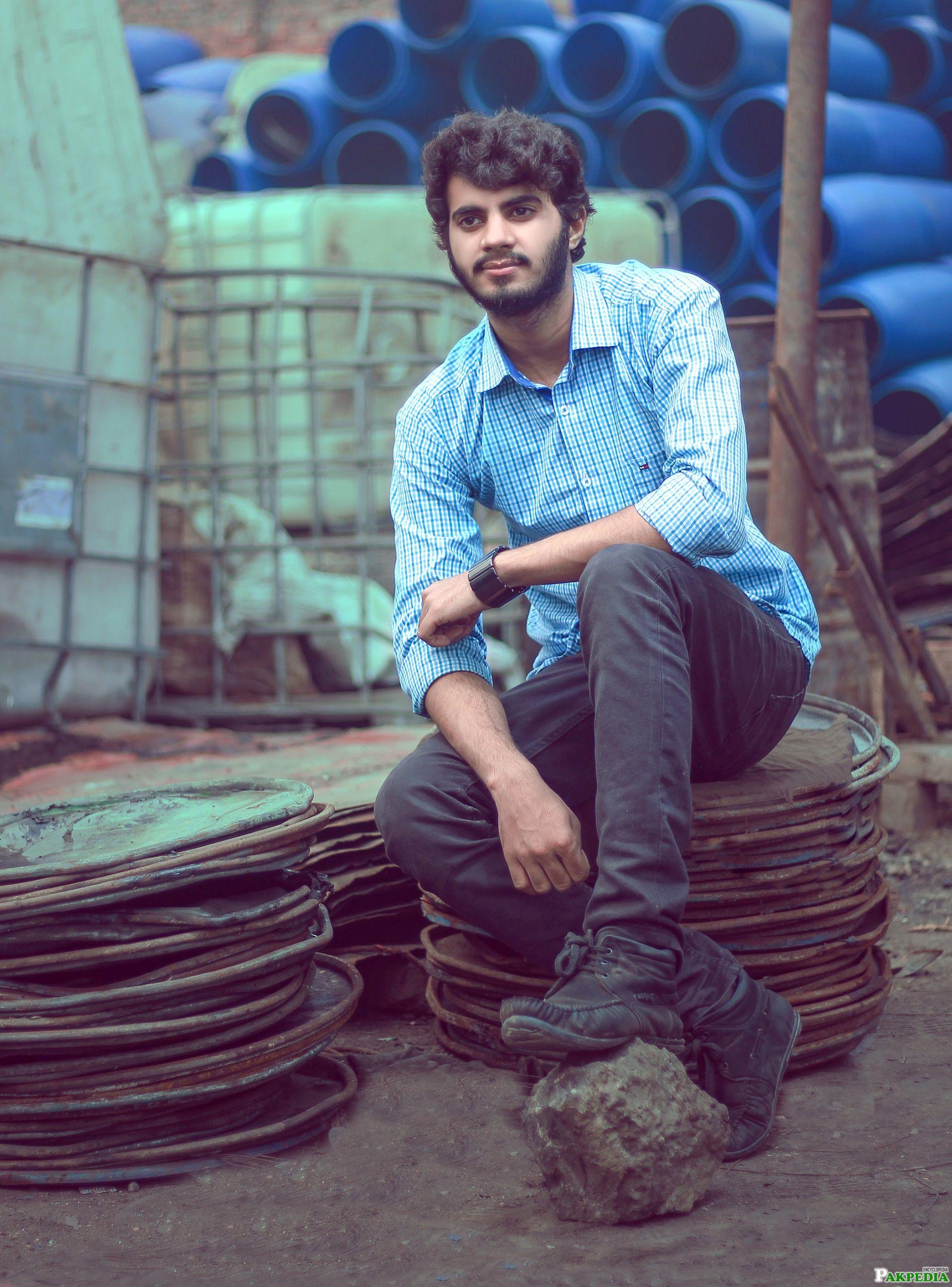 Ashir Pakistani Young Singer