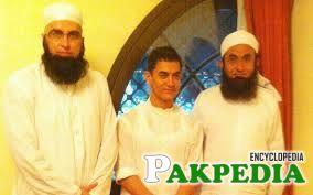 Moulana with Amir Khan(Acter) & Junaid Jamsheed(late)
