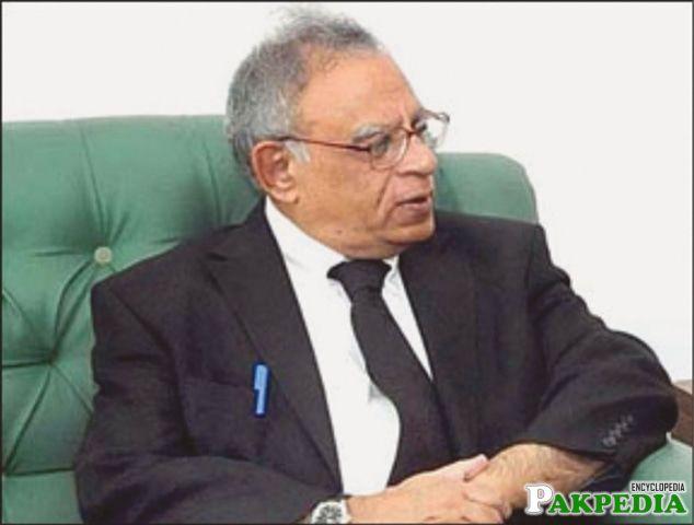 Wasim Sajjad president 1997 - 1998