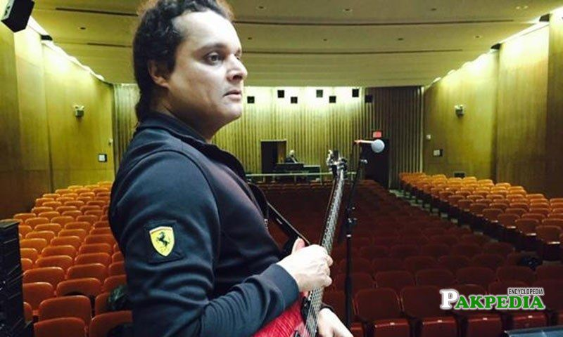 Mekaal Hasan doing practise in the theater
